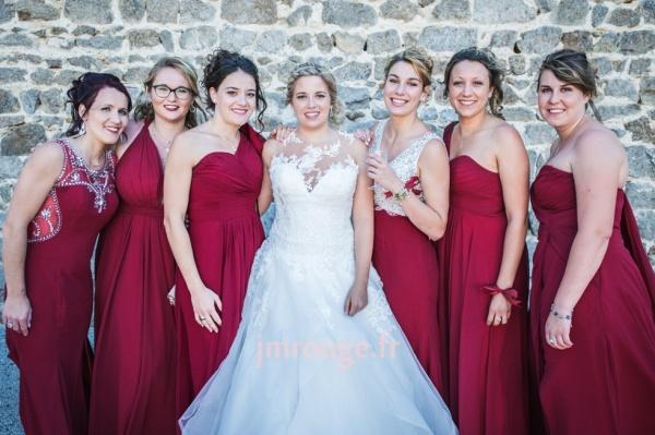 robes de demoiselle d'honneur bordeaux longues en différents styles