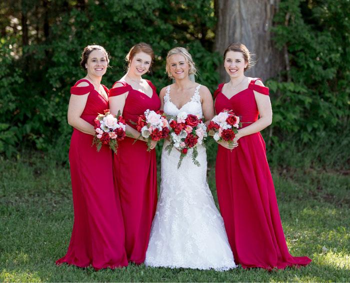 robe demoiselle d'honneur rouge avec courte manche dénudé