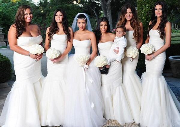 robe demoiselle d'honneur blanche sirène au mariage de Kim Kardashian