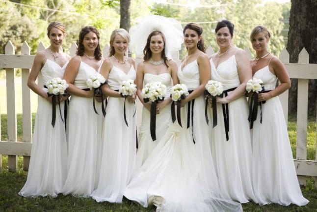 robe demoiselle d'honneur blanche longue col en V