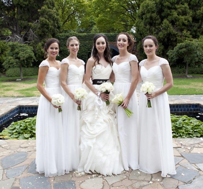 simple robe demoiselle d'honneur blanche longue