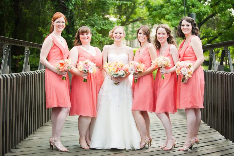 robe corail courte pour demoiselles d'honneur