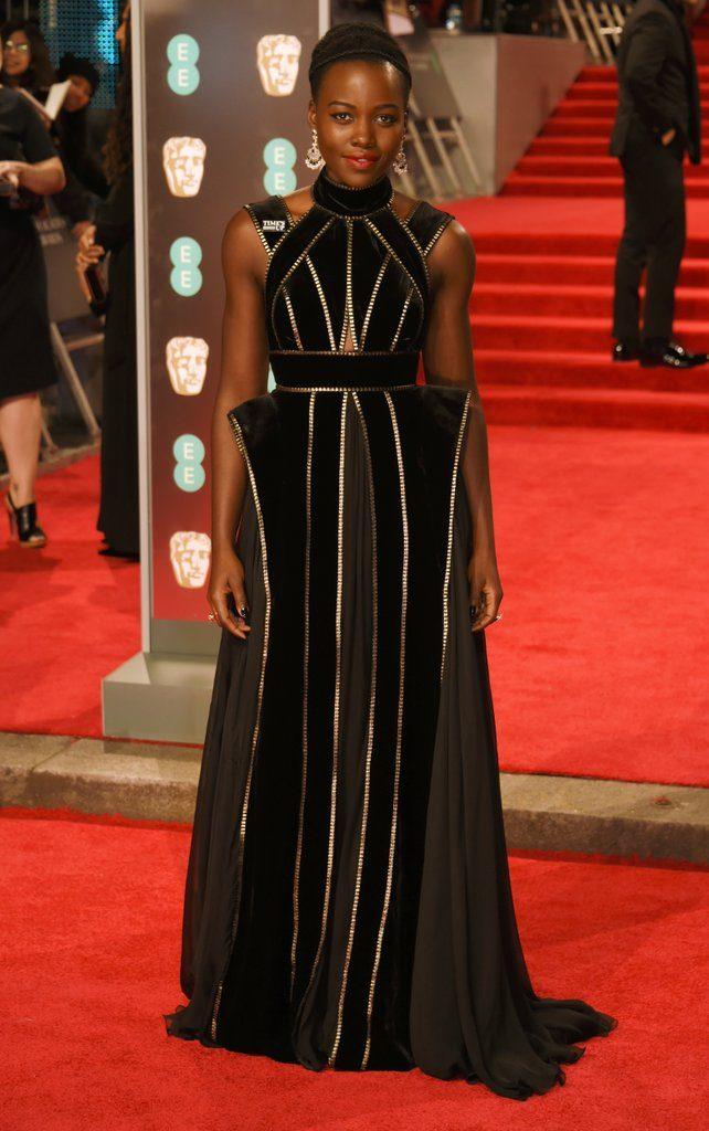Lupita Nyong'o en robe de soirée noire longue au BAFTA Awards 2018