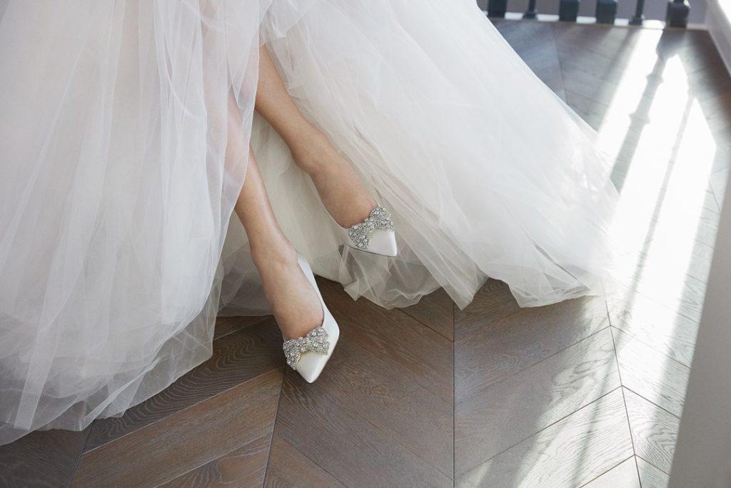 escarpins de mariage blanche orné de noeud