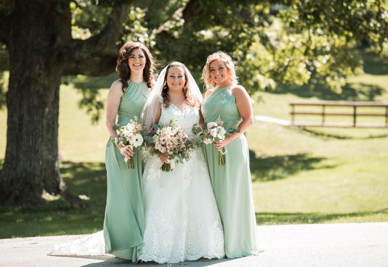 robe demoiselle d'honneur verte longue col halter plissé