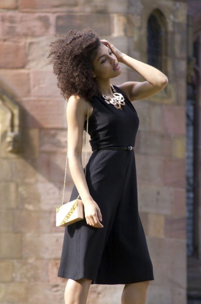 robe noire courte pour un mariage