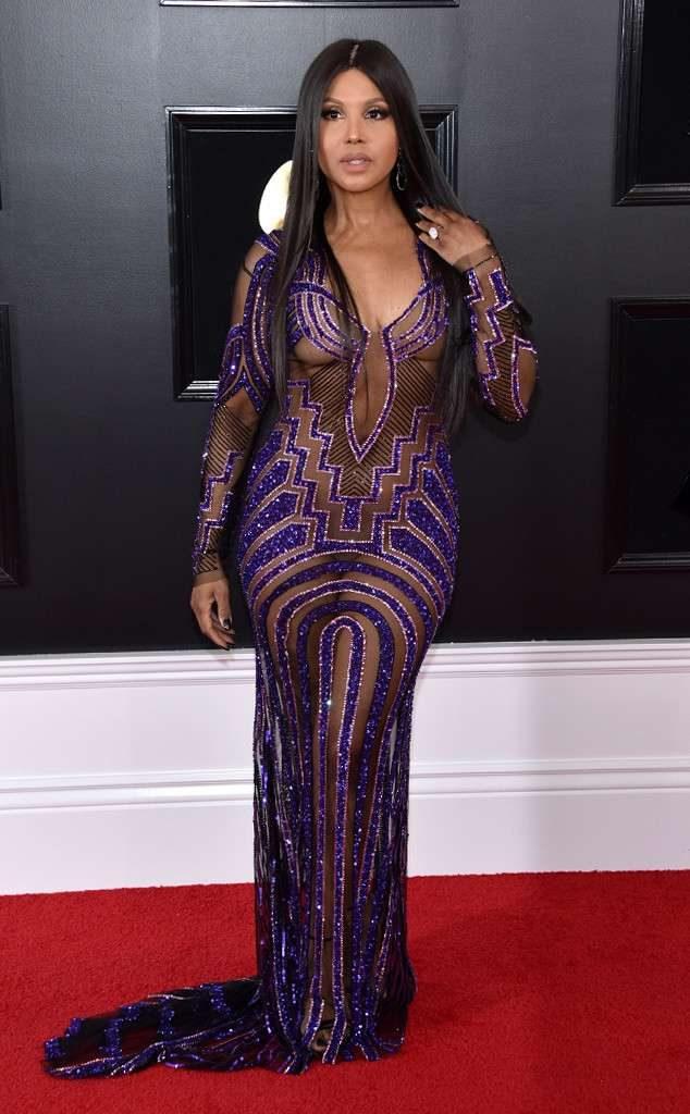 Toni Braxton en robe de soirée sexy transparente au Grammy 2019