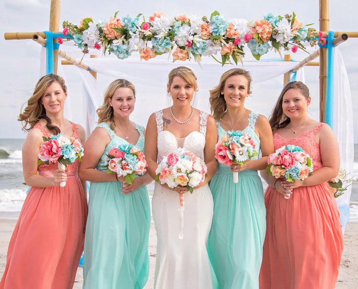 robe corail et verte pour demoiselles d'honneurs