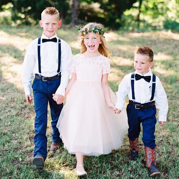 Comment habiller les petites filles d'honneur pour un mariage ?
