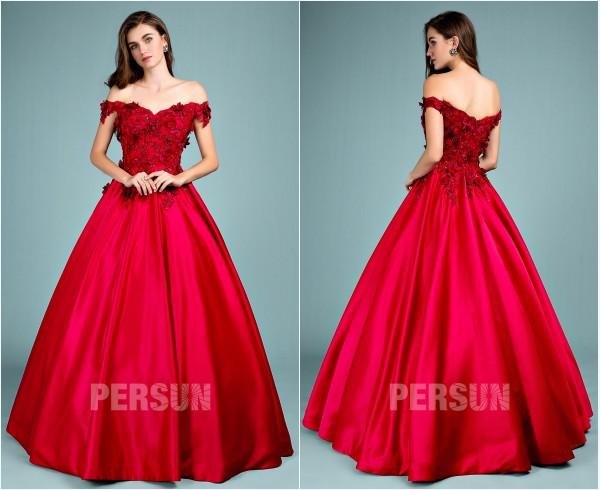 robe de mariée rouge princesse haut fleuri épaule dénudé
