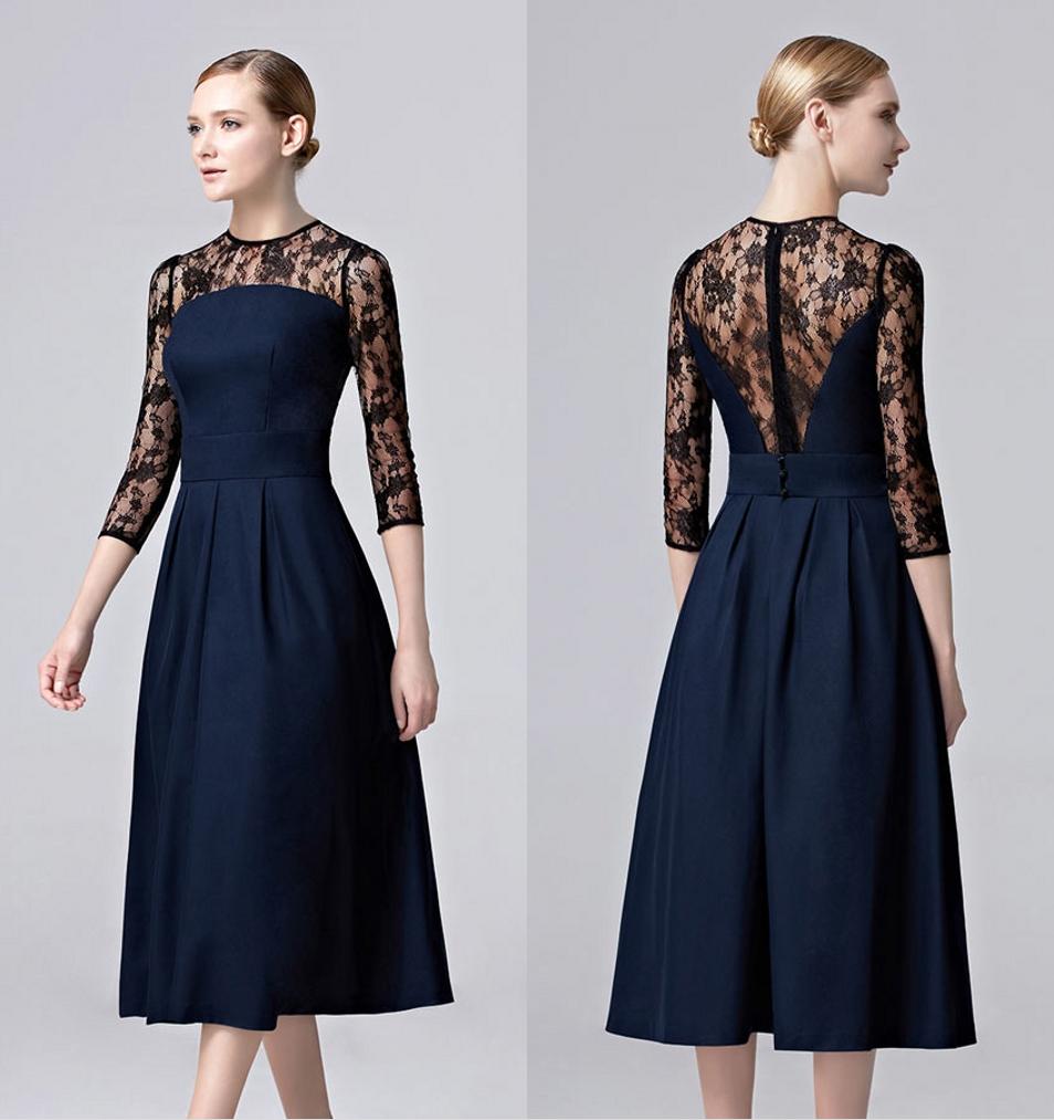 robe mère de la mariée courte bleu marine en dentelle noire avec manche courte