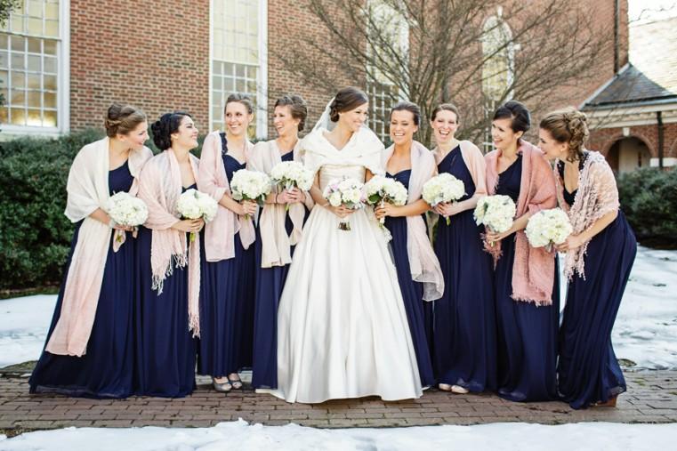 robe demoiselle d'honneur longue bleu en hiver