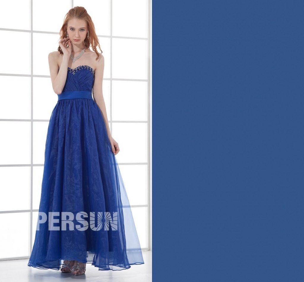robe demoiselle d'honneur longue bleu classique bustier coeur ornée de strass
