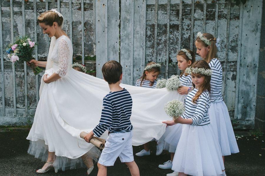 mariée et cortège enfants