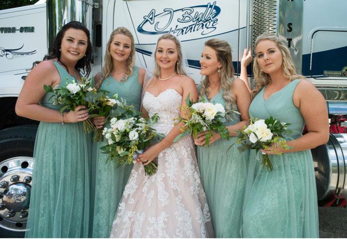 robe vert menthe cortège mariage longue col v en dentelle & tulle