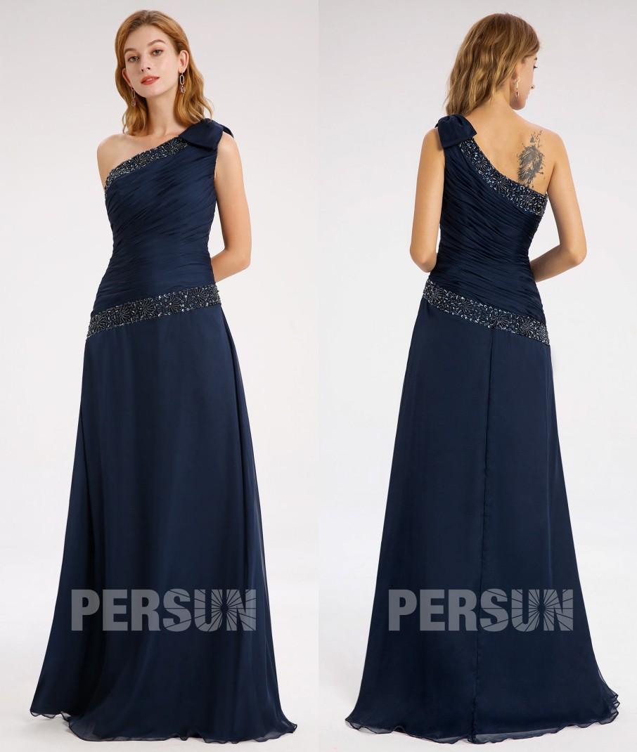 robe de soirée longue asymétrique bleu nuit plissé embelli de strass